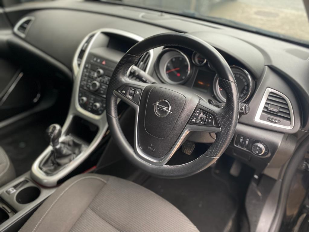 2011 Opel Astra CDTi
